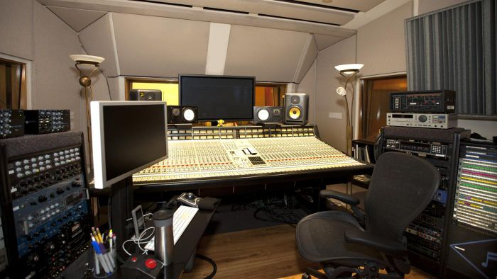 How Can You Set up a Basic Home Recording Studio in Four Steps?