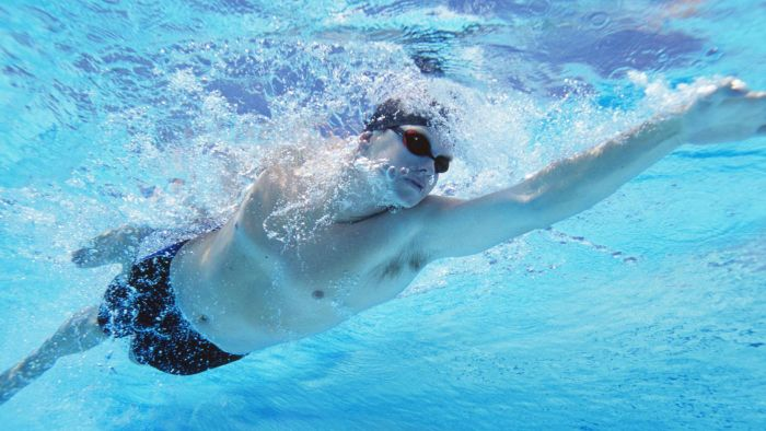 Can You Go Swimming With the Shingles Disease?