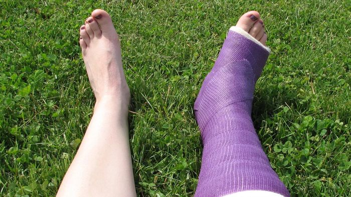 How Can You Treat Ankle Pain Without Further Injuring the Ankle?