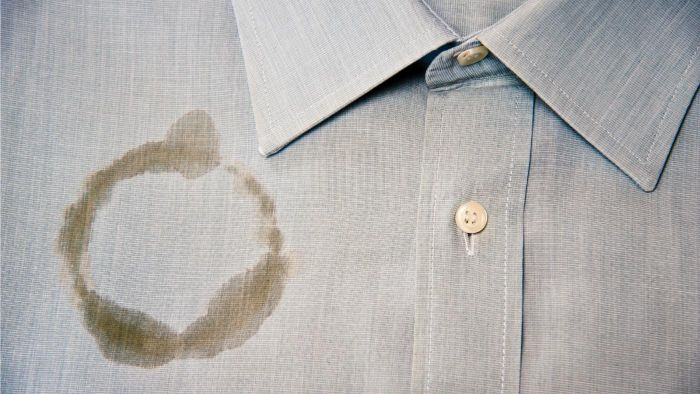 Can vinegar get coffee stains out?