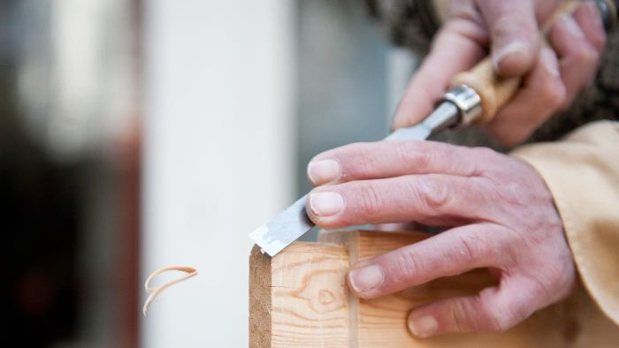How Does a Carpenter Use Geometry?