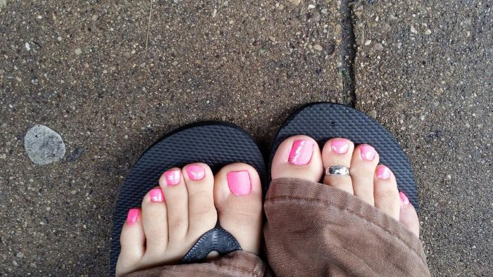 What Is the Cause of Throbbing Big Toe Pain?
