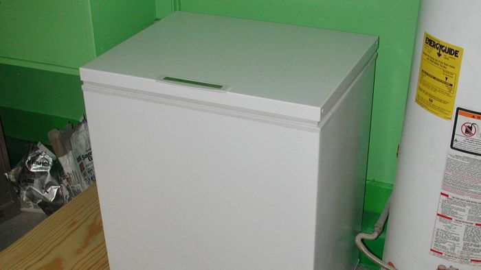 How Does a Chest Freezer Differ From a Refrigerator Freezer?