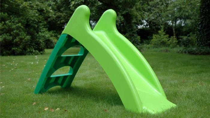How Do You Clean a Plastic Slide?