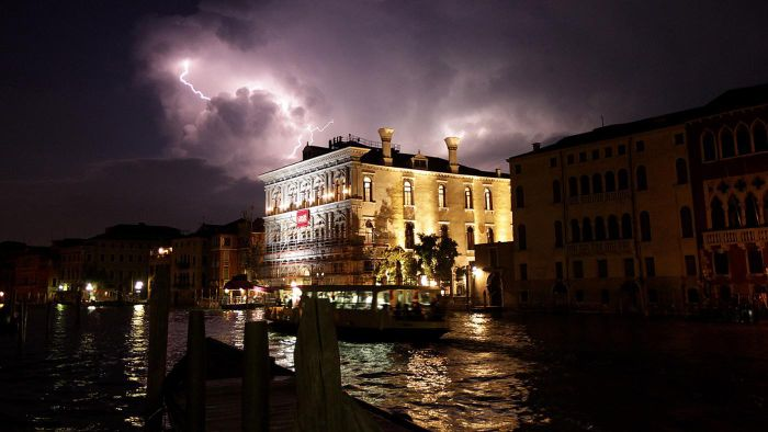 What is the climate of Italy like?