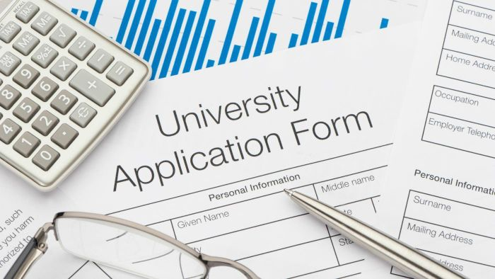 Do Colleges Still Take Paper Applications?