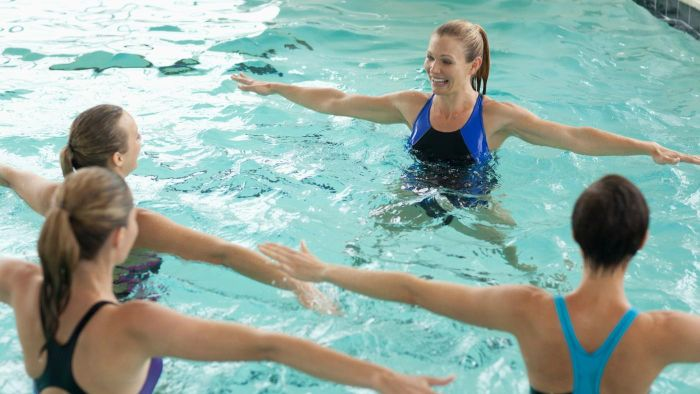 How do you combine moves in water aerobics?