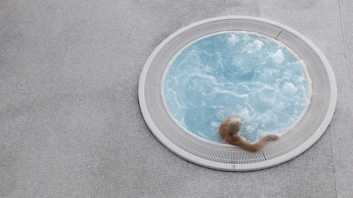 What Are Some Common Hot Tub Error Codes and Their Meanings?
