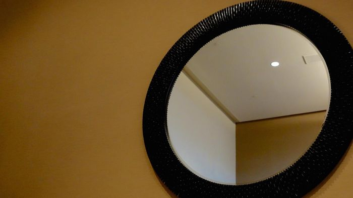 Which companies cut glass for mirrors?