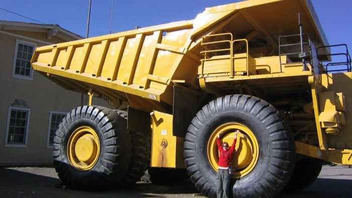 What Companies Employ Dump Truck Drivers?
