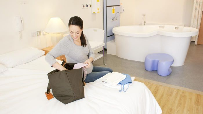 How Do You Decide What to Pack in the Hospital Bag for Labor?