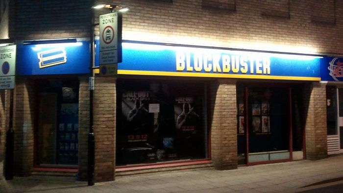 When Did the Blockbuster Movie Chain Go Out of Business?