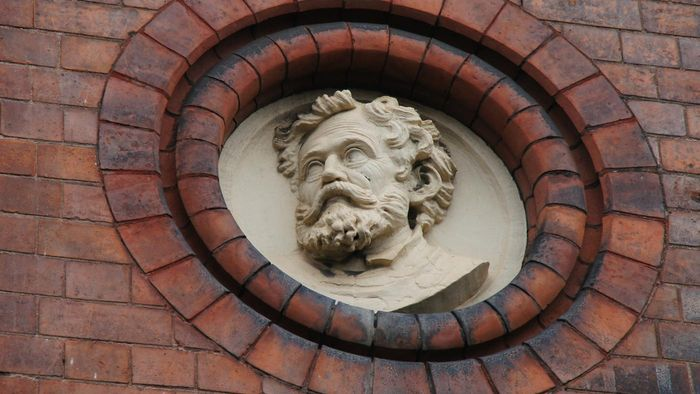 Did Michelangelo invent anything?