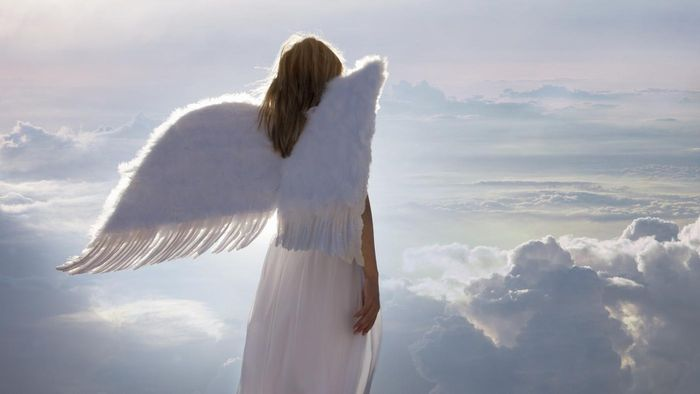 What is the difference between angels and archangels?