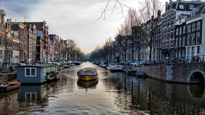 What Is the Difference Between a Canal and a River?