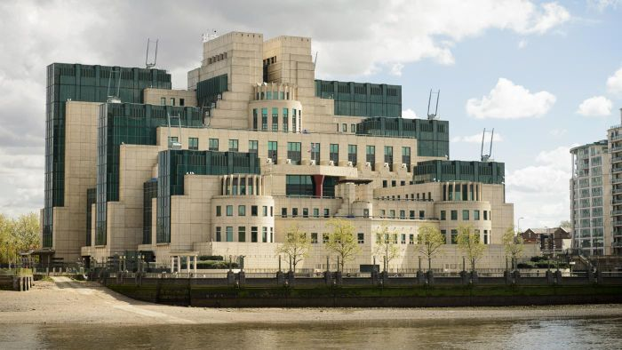 What Is the Difference Between Mi5 and Mi6?