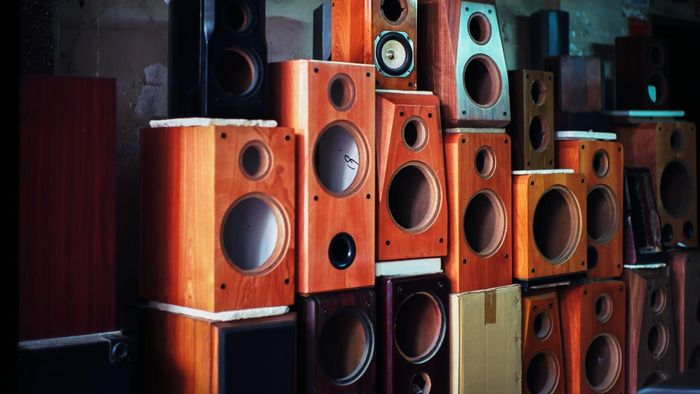 What is the difference between two-way and three-way speakers?