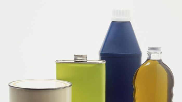 What are different types of solvents?