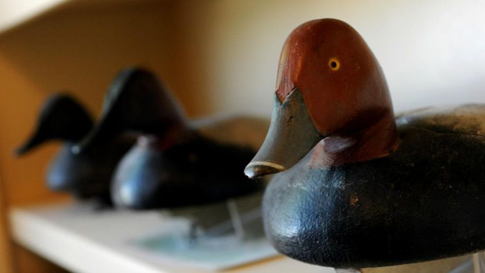 How are duck decoys made?
