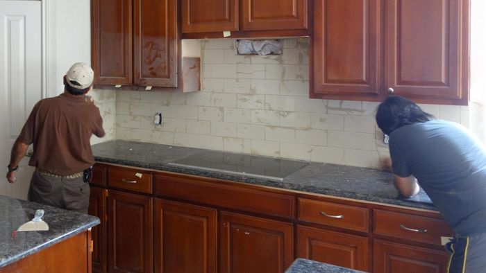 What Are Some Easy Kitchen Makeover Ideas?