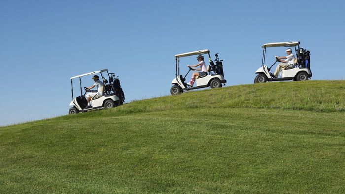 How does an electric golf cart work?
