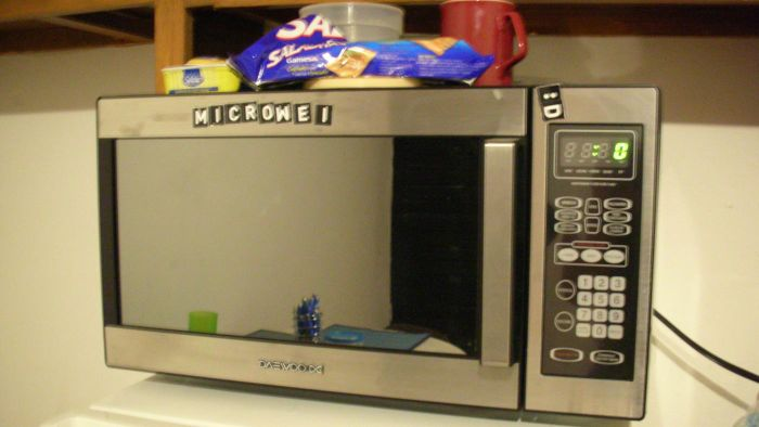 What Features Should Be Considered in Purchasing the Best Microwave?