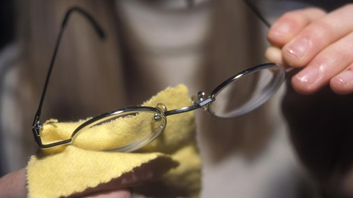 How Do You Fixed Scratched Glasses?