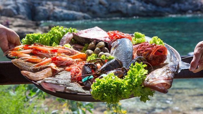 What foods does the Mediterranean diet include?