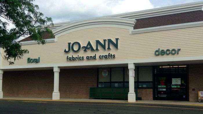 What Are Fun Projects That Use Items Sold at Jo-Ann Fabric and Craft Stores?