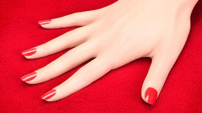 What Is a Gel Nail Kit?