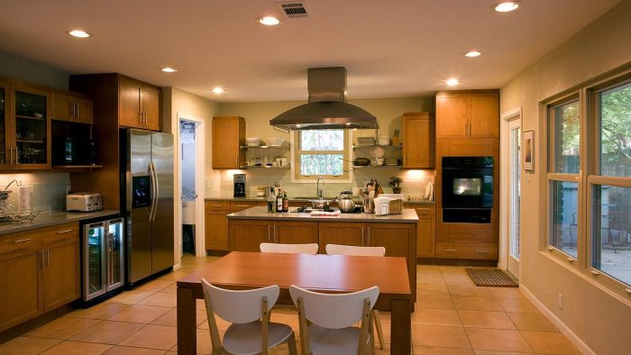 What Is Good Fluorescent Lighting for the Kitchen?