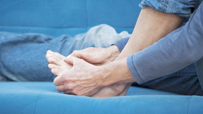 What Is a Good Home Treatment for Swollen Feet?