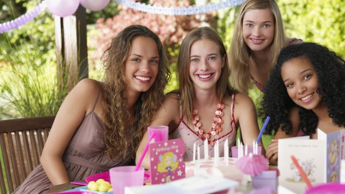 """What are good party favors for a """"Sweet 16"""" party?"""