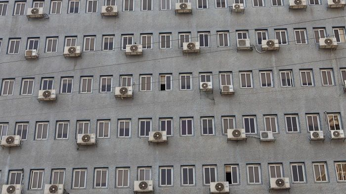 What is a good size air conditioner for an apartment?