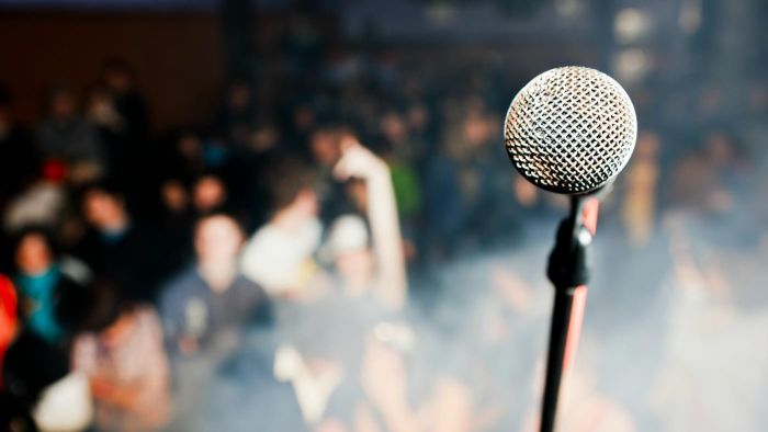 What Are Good Topics for School Assembly Speeches?