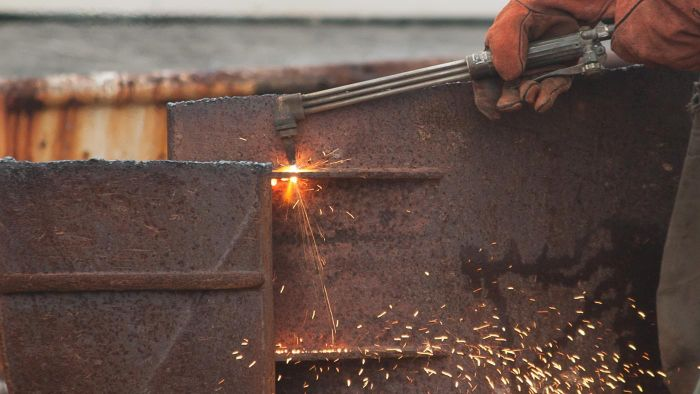 How hot is an acetylene torch?