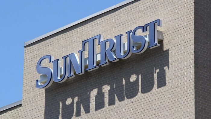 What Are the Hours of SunTrust Banks?