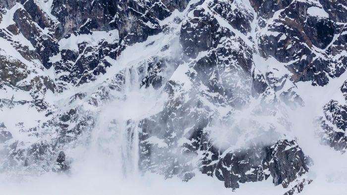 How Do Avalanches Happen?