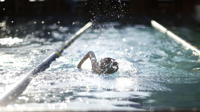 How Many Calories Do You Burn Swimming Laps?