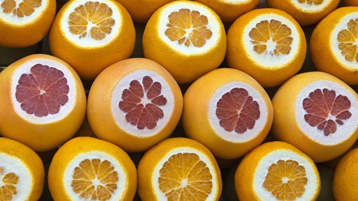 How Many Grams of Sugar Are There in a Grapefruit?