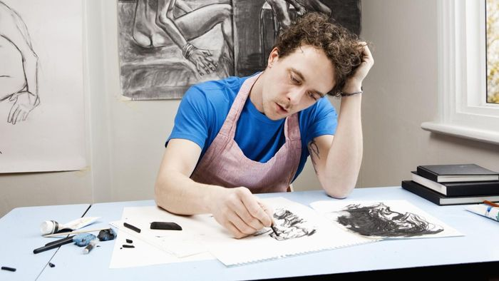 How much money does a drawing artist make a year?
