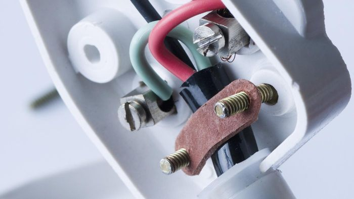 How Do You Wire a Three-Pin Plug?