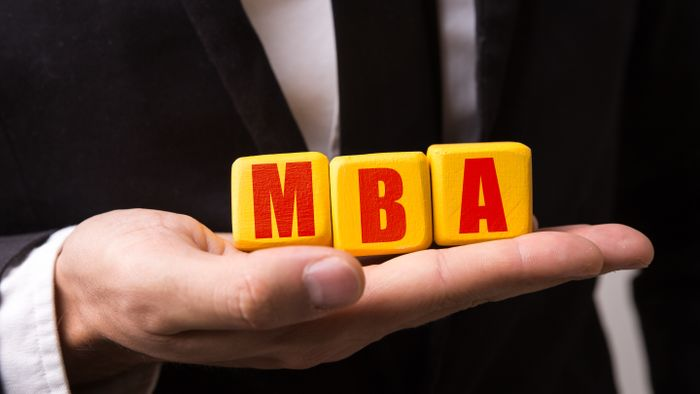 What Are the Benefits of Online MBA Programs?