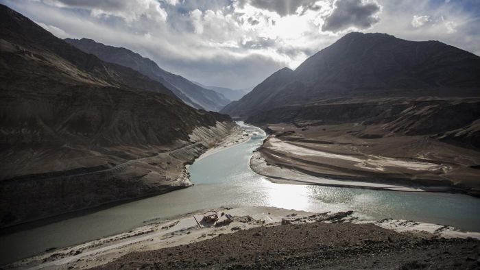 What Are Some Facts About the Indus River?
