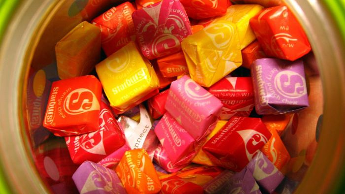 What Are Some of the Ingredients in Starburst?
