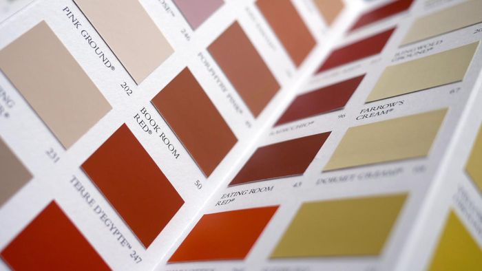 How do interior designers use color swatches?
