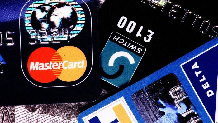 Where Is the Issue Number on a Mastercard Located?