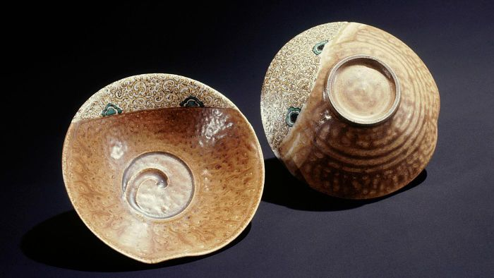 What Is Japanese Antique Pottery?