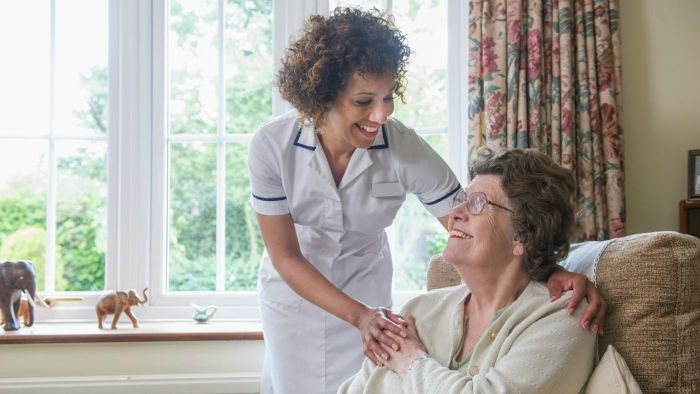 What Is a Job Description for a Home Health Aide?