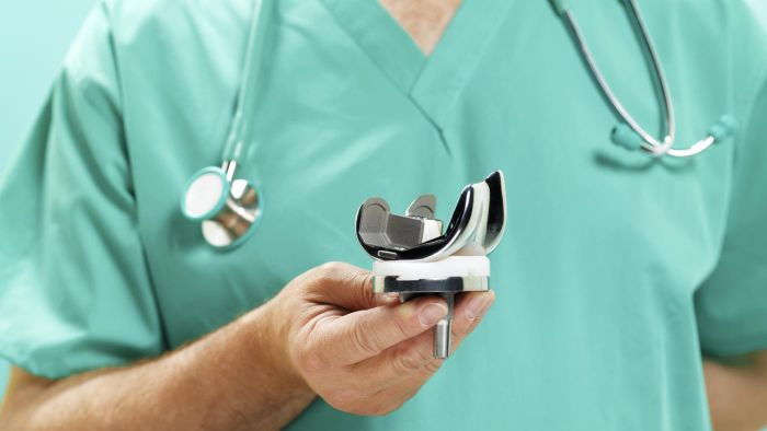 How Do Knee Replacements Work?